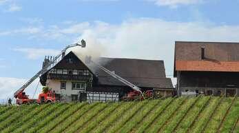 Am Dienstag brannte das Wohngebäude der Familie Decker in Sasbachwalden. Hilfe in Form von Spenden ist möglich.