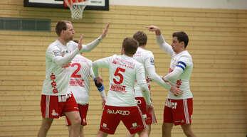 Erleichtert waren die Offenburger Sven Muckle, Stefan Konprecht, Thomas Häusler, Matthias Lilienthal und Michael Haas (v. l.) nach dem 5:3-Sieg über Rosenheim.