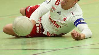 Voller Einsatz: Nur knapp mussten sich Michael Haas und die Offenburger Bundesliga-Faustballer gegen den hohen Titelfavoriten TSV Pfungstadt geschlagen geben.