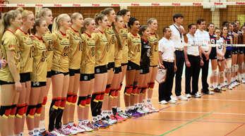 Beim Erklingen der deutschen Nationalhymne hatten nicht nur die beiden ehemaligen Offenburgerinnen Merle Weidt (Nummer 11) und Sabrina Krause (Nummer 5) Gänsehaut.