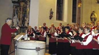 Foto: Gotthard Müller - Der gemischte Chor des Gesangsvereins »Eintracht« begeisterte die Besucher in der Heilig-Kreuz-Kirche.