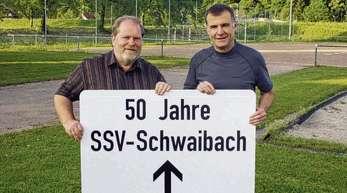 Privat - Vorsitzender Walter Wussler (links) und Stellvertreter Helmut Reinold geben den Weg frei zum Jubiläum des SSV Schwaibach.