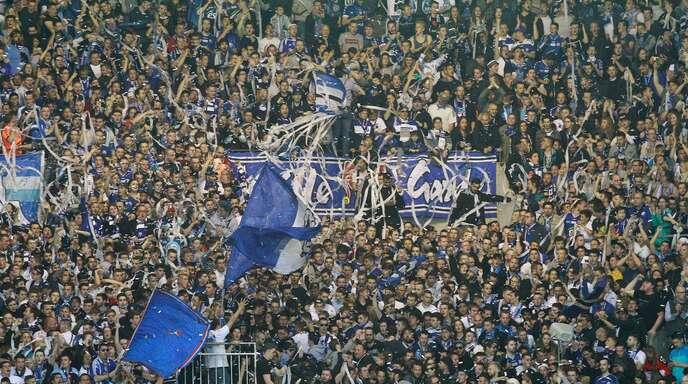 Rund 3000 Racing-Fans bejubelten in Belfort ausgelassen die Rückkehr der Straßburger in die 2. französische Fußball-Liga.