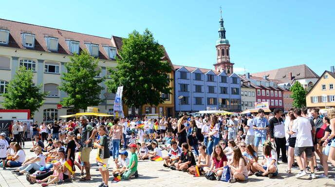 Das Public Viewing auf dem Offenburger Marktplatz beim letzten Deutschland-Spiel der diesjährigen WM gegen Südkorea.