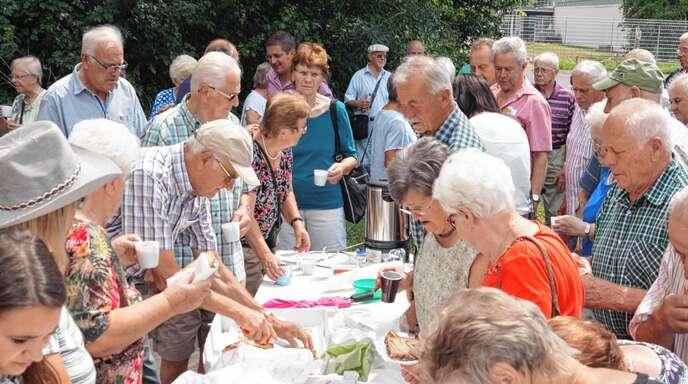 Bestens bewirtet wurden die Kappelrodecker Senioren bei ihrer von der Gemeinde organisierten Fahrt ins Blaue, die auch die Landesgartenschau zum Ziel hatte.