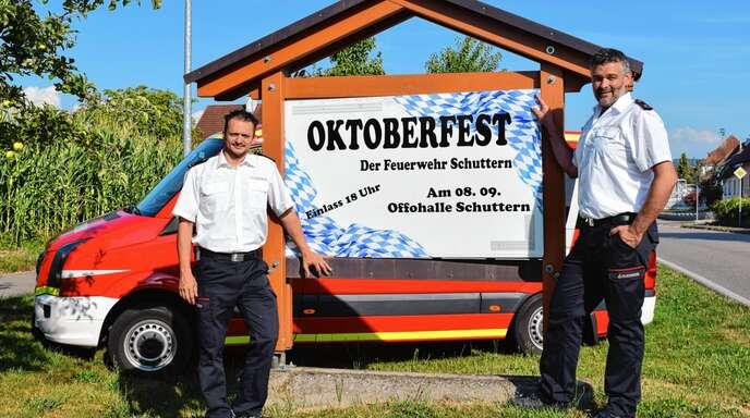 Zum zehnten Mal organisieren Jan Mieth (links) und Marco Lippmann (rechts) das Oktoberfest für die Feuerwehr Schuttern.