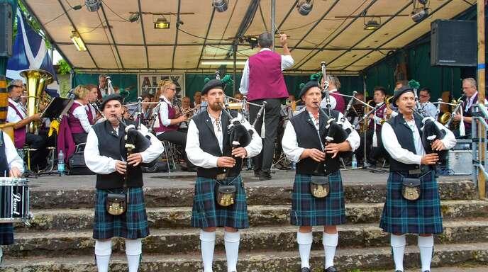 Ein Hörgenuss war am Samstag der gemeinsame Auftritt der Stadtkapelle Offenburg und der Prinzbach-Highlanders.