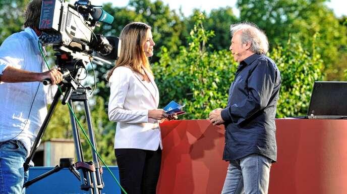 SWR-Moderatorin Stephanie Haiber plauderte mit Uwe Baumann über Lahr – live im Fernsehen.