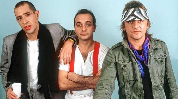 Die Musikgruppe Trio mit Stephan Remmler (von links), Peter Behrens und Kralle Krawinkel, aufgenommen im Jahr 1983.