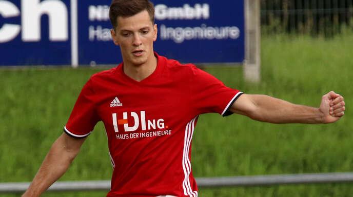 Tobias Keller erzielte das zwischenzeitliche 2:0 für den TuS Oppenau, musste sich am Ende aber mit einem 2:2-Unentschieden begnügen.