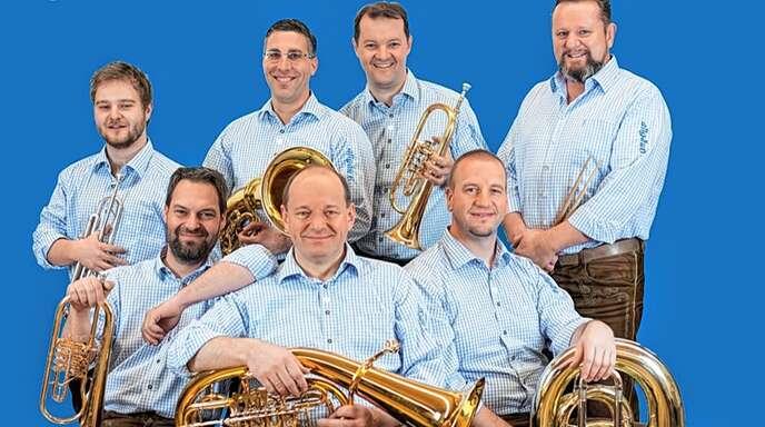 Für Stimmung beim Ziwwl-Fest in Fautenbach sollen »Berthold Schick und seine Allgäu6« sorgen.