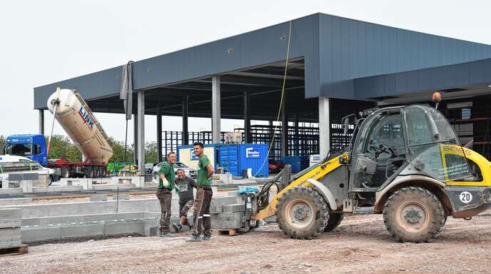 Es ist noch einiges zu tun, bis der neue Baumarkt eröffnet: Das Unternehmen Rendler ist zuversichtlich, dass es Ende November/Anfang Dezember soweit sein wird.