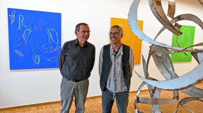 Rainer Nepita (links) und Jörg Bach in ihrer Gemeinschaftsausstellung in der Städtischen Galerie in Offenburg.
