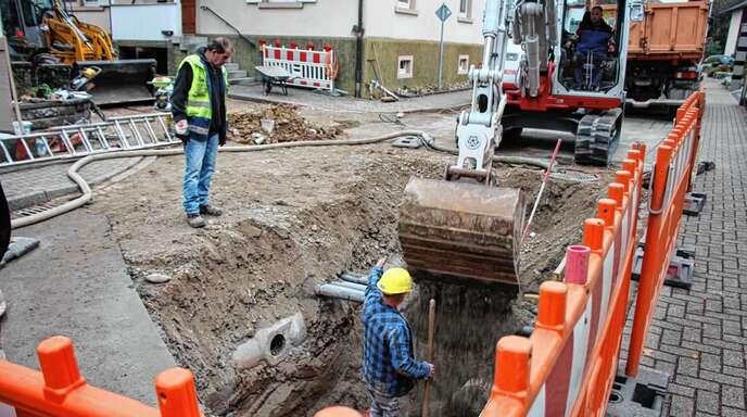 In der Nußbacher Straße in Zusenhofen und der dazugehörigen Stichstraße wird die Kanalisation saniert. Dazu ist eine Vollsperrung nötig.