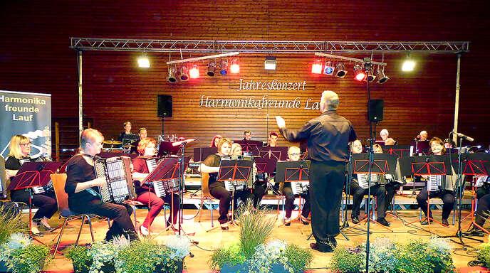 Egal ob Tango oder Popmusik, die Akteure beim Konzertabend der Harmonikafreunde Lauf begeisterten mit ihrer gefühlvollen Interpretation aller Musikrichtungen.