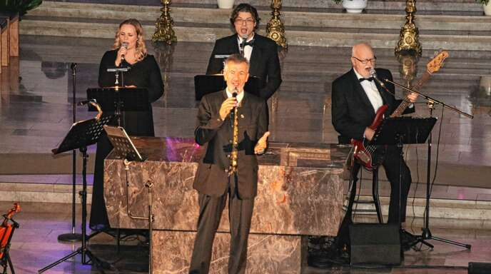 Aus dem Herzen in die Herzen sang sich Oswald Sattler vor über 500 Besuchern in der Acherner Stadtkirche Unserer Lieben Frau.