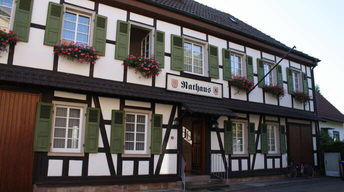 Honau – hier symbolisch das Rathaus – wird auch nach den Kommunalwahlen 2019 mit zwei Vertretern im Gemeinderat vertreten sein. Das entschied der Gemeinderat.