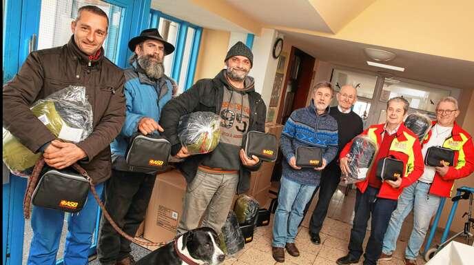 Spender und Empfänger (von links): Oliver Hahn, Rolf Gaiser, Franz Kaiser, Roger Honoré, Hannes Schadeberg, Beniamino Ghiani und Herbert Bächle.