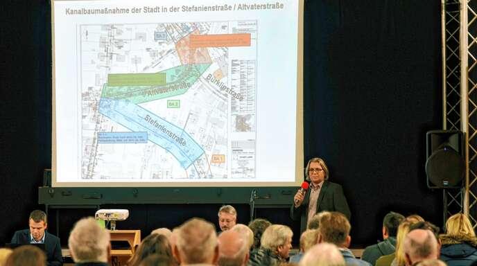 Wie alles rund um die Baustelle Altenberg ablaufen soll, das wurde den Bürgern am Dienstag vorgestellt.