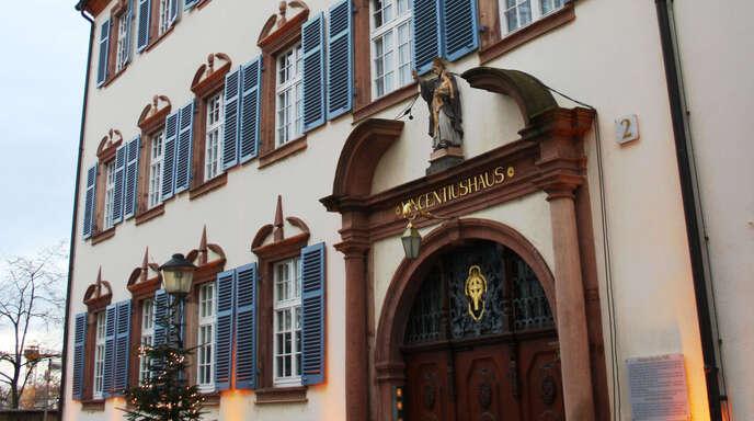 Das Aenne-Burda-Stift - im Bild das historische Vinzentiushaus in der Kornstraße - bekommt 2010 einen neuen Betreiber.