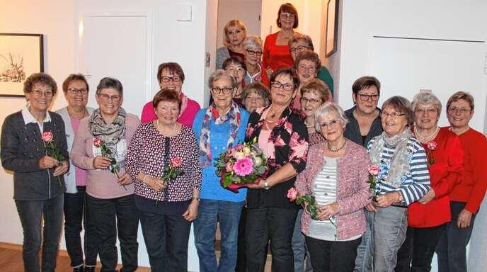 Die Landfrauen Zusenhofen dankten ihrer Übungsleiterin Rita Biehlman (5. von rechts).