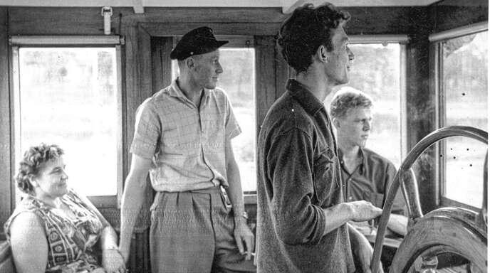 Willi Ulrich (Zweiter von links mit Frau Wilma) war lange Jahre Rheinschiffer.