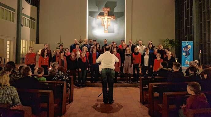 Wie facettenreich A-cappella-Gesang sein kann, zeigten einmal mehr die »Hick Ups« beim Adventskonzert in St. Fidelis.