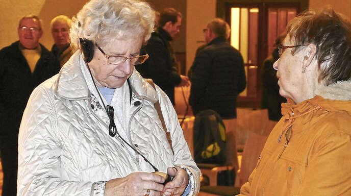 In der Fautenbacher Tandemkirche konnten Besucher am Dienstag ausprobieren, wie sie dank Induktionsschleife besser hören können.