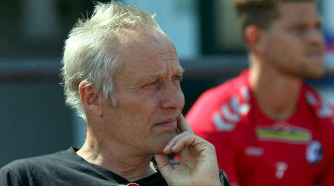 Freiburgs Trainer Christian Streich kann mit seinem Team schon in Düsseldorf die anvisierte 20-Punkte-Marke knacken.