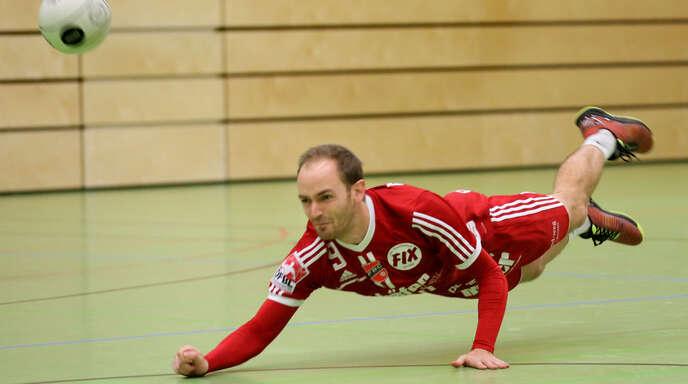 Abwehrspieler Oliver Späth will mit dem FBC Offenburg noch zwei gute Spiele in der Hallenrunde zeigen, bevor er den Fokus auf die Feldrunde und die Weltmeisterschaft legt.