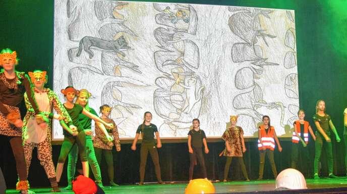 Die sechsten Klassen der Klosterschulen thematisierten in ihrem Theaterprojekt eindrucksvoll das Thema Umweltverschmutzung.