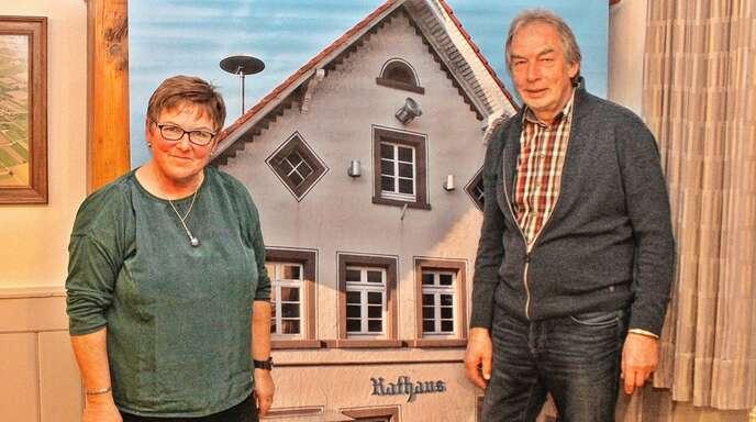 Fast 50 Jahre war Manfred Nierlin im Rathaus Allmannsweier die gute Seele. Jetzt verabschiedete ihn Ortsvorsteherin Ria Bühler in den verdienten Ruhestand.