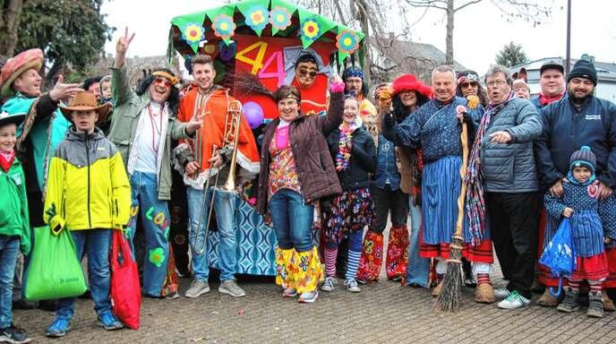 Die »Mexikaner« des Musikvereins Nußbach führten am Dienstag den Kinderumzug durch die Ortschaft an, Ziel war die Kronguthalle.