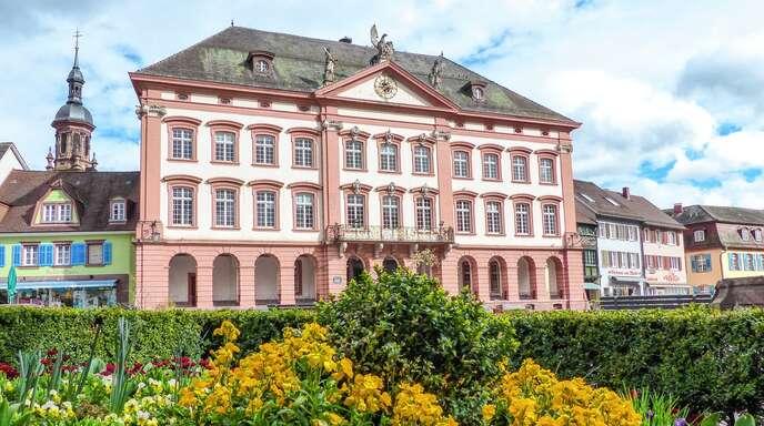 Offenburg Zum Frühling Stadt Gengenbach Pflanzt 18000 Blumen