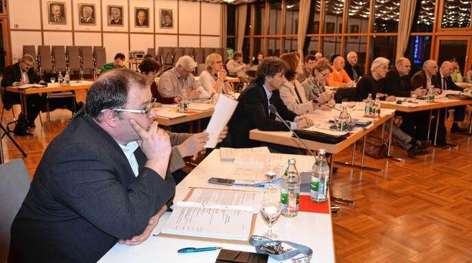 Im Acherner Gemeinderat ist die SPD mit zwei Stadträten, Markus Singrün (links) und Patrik Schneider (verdeckt) vertreten und tritt mit einer vollen Listen an. In den Ortschaften machen sich indes die Sozialdemokraten rar.