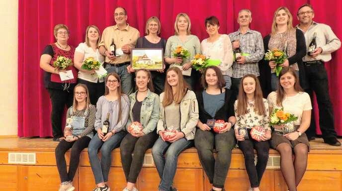 Die Volkstanz- und Trachtengruppe Sasbachwalden zeichnete besonders treue und engagierte Mitglieder aus.