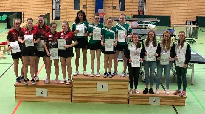 Die U18 der DJK Offenburg durfte ganz oben aufs Podest steigen (v. l.): Isabella Joggerst, Luisa Leser, Noemi Graf und Jana Kirner.