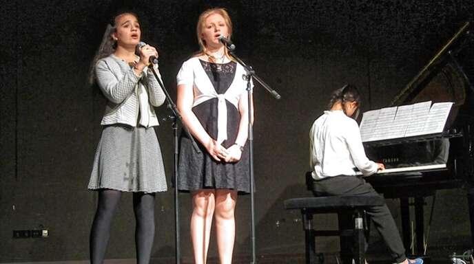 Schülerinnen und Schüler aller Klassenstufen wie auch Zöglingen anderer Schulen, die in der Musikschule Oberkirch ausgebildet werden, bekamen bei der Soirée am HFG eine Bühne.