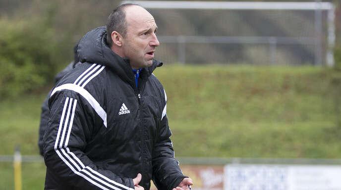 Stets engagiert an der Seitenlinie: Axel Siefert steht mit dem Bahlinger SC vor dem Regionalliga-Aufstieg.