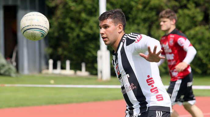 Der Brasilianer Vinicius Tavares kämpft noch gegen die Kälte an.