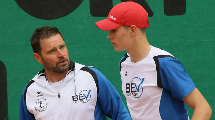 Zufrieden nach bisher zwei Siegen: Trainer Oliver Killeweit und der junge Andre Steinbach (r.).