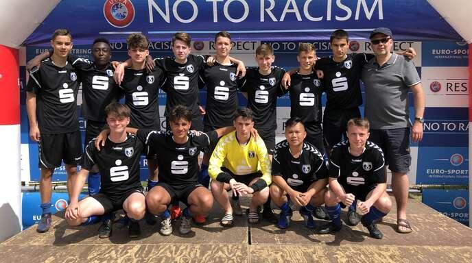 Bereits zum 25. Mal nahmen die Jugendmannschaften des SC Lahr an der »Copa Catalunya« in Spanien teil. Unser Bild zeigt die erfolgreichen U17-Junioren.