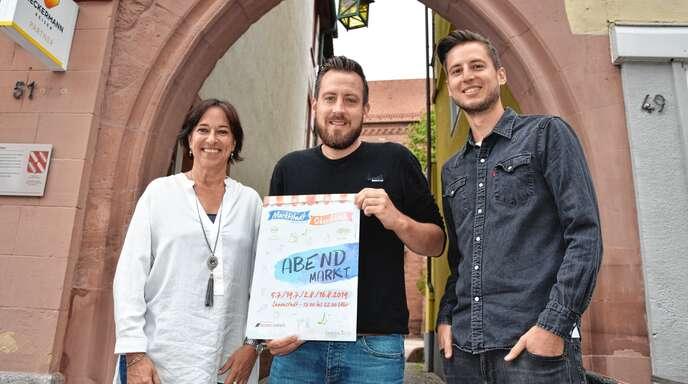 Iris Sehlinger sowie Mathias Seiler und Lukas Hund (Noarg Events) haben vier Abendmärkte für Oberkirch organisiert.