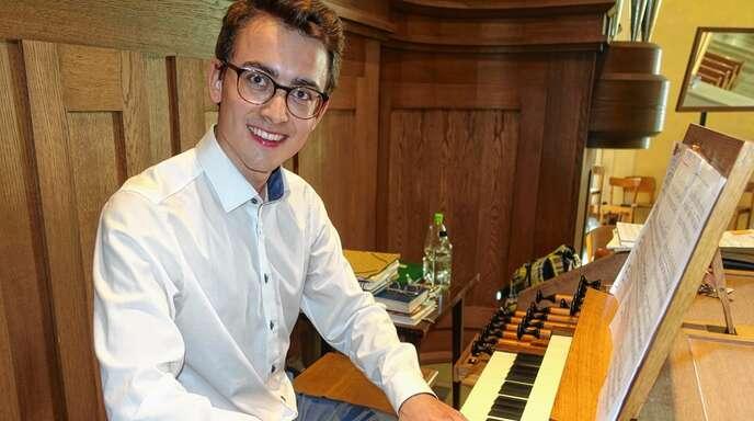 Mit einem mitreißenden Orgelkonzert eröffnete Simon Meder die Sommerkonzerte in Achern.