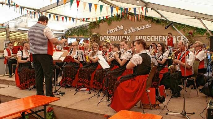 Seit über 50 Jahren trägt die Trachtenkapelle Kappelrodeck mit ihrem Auftritt zum Gelingen des Gartenfestes Furschenbach bei.