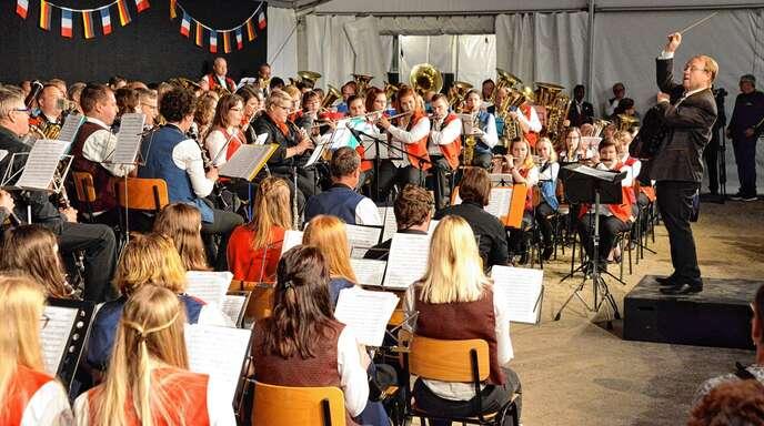 Das 150 Musiker starke Jumelage-Orchester hatte am Sonntagabend seinen großem Auftritt.