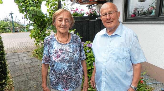 Die Eheleute Gertrud und Alfred Serr können das seltene Fest der eisernen Hochzeit feiern, nachdem sie sich 1954 in Lauf das Ja-Wort gegeben haben.
