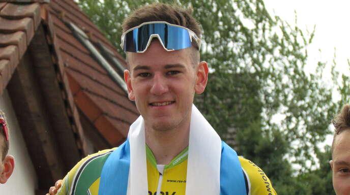 Das Siegerlächeln im Gesicht: Felix Bauer setzte im Rennen der U19 im richtigen Moment die alles entscheidende Attacke und fuhr als Erster über die Ziellinie.