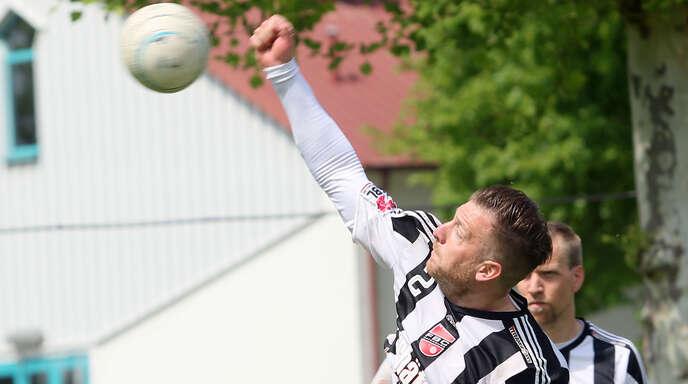 Schlagmann Stefan Konprecht hängt seine Faustball-Schuhe an den Nagel. Die letzten beiden Saisonspiele des FBC Offenburg musste er krankheitsbedingt absagen.