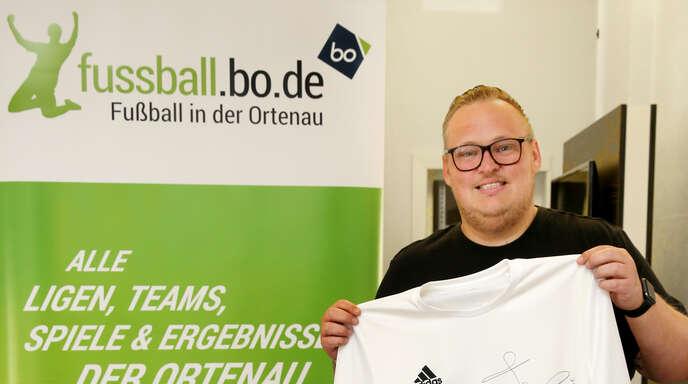 Seit drei Jahren betreibt Sebastian Schaller das Fußball-Portal fussball.bo.de. Trotz der erfreulichen Entwicklung hat er sich ambitionierte Ziele für die Zukunft gesteckt.